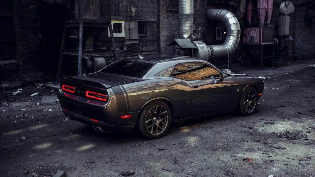 Dodge Challenger арендовать без водителя напрокат