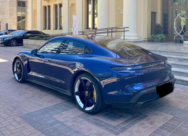 Porsche Taycan Турбо S напрокат сочи